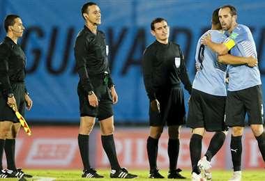 Uruguay fue perjudicado el jueves por un gol anulado. Foto: internet