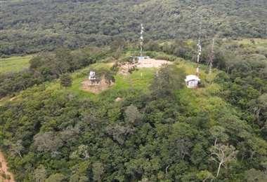 En el cerro San Ignacio están las antenas de la radio de la Iglesia