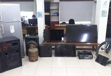 La Policía logró recuperar los objetos que los delincuentes robaron Foto: Policía