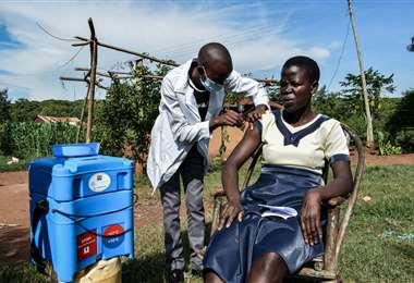 El reto es que los más ricos ayuden a que todo el mundo sea vacunado