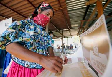 Asesinaron a cinco indígenas de la organización de los comicios (Foto: AFP)