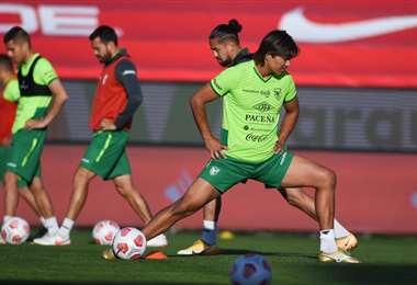 Martins y sus compañeros de selección en la práctica de este lunes en Santiago. Foto: AFP