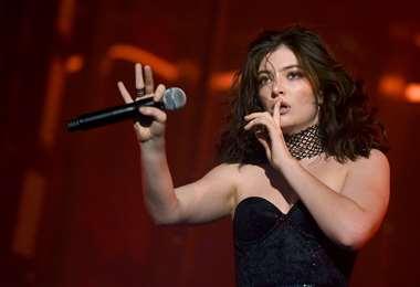 Lorde en una de sus actuaciones