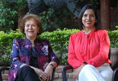 Lidia Arnez, gobernadora Soroptimist, región América del sur, con Yery Pérez