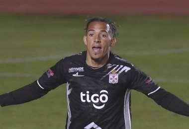 Edarlyn Reyes celebra el gol que le marcó a Bolívar en La Paz. Foto: APG Noticias
