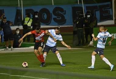 Nacional Potosí jugó el domingo en el Tahuichi ante Blooming. Foto: APG