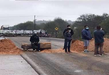 El bloqueo está instalado en la ruta 9, hacia Argentina. Foto: Radio Lagunillas