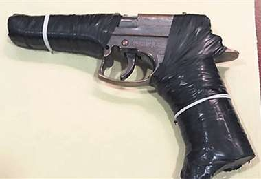 La pistola de juguete que era utilizada para asaltar y robar