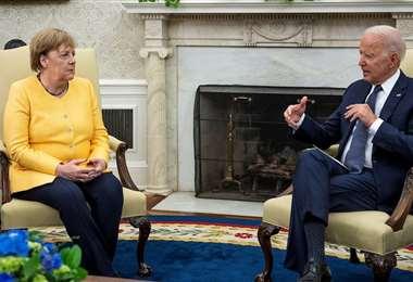 El presidente Biden y la primer ministra alemana Angela Merkel