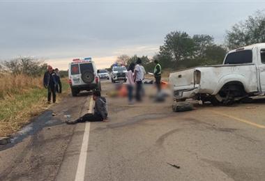 Los heridos y fallecidos quedaron tendidos en la carretera.