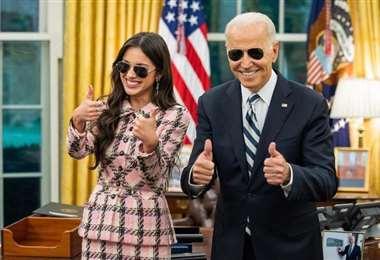 La joven cantante y el presidente Biden
