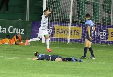 Dorrego festeja el gol de Alexis Ribera. Foto: Ricardo Montero