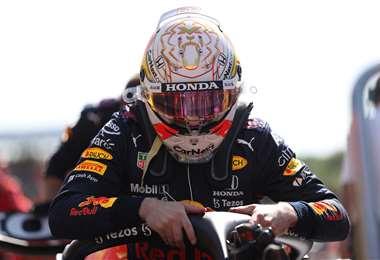 Verstappen abandonó este domingo en el GP de Gran Bretaña. Foto; AFP