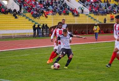 Independiente enfrenta en Sucre a Always Ready. Foto: APG