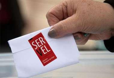 Elecciones primarias de derecha e izquierda en Chile marcan inicio de carrera presidencial