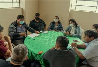 Autoridades cruceñas realizaron una reunión en Puerto Suárez