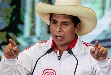 El presidente peruano, Pedro Castillo, debe conquistar la confianza de los mercados.