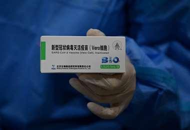 El 30 de junio Arce anunció 6 millones de dosis chinas. Este es el tercer envío de ese lote