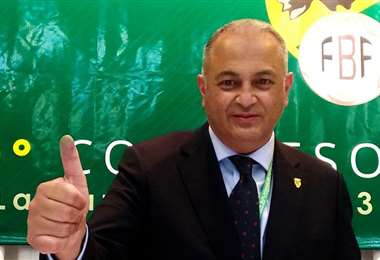 El titular de la FBF, Fernando Costa, visitó Tarija. Foto: Internet