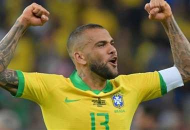 Dani Alves tiene 38 años y es una de las figuras de Brasil. Foto: Internet