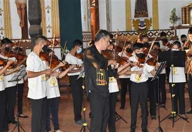 La orquesta Infantil y Juvenil Paz y Bien/Foto: Carlos Quinquiví