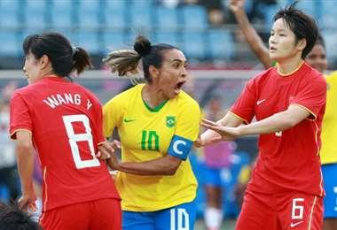 Marta hizo dos goles en el triunfo de Brasil ante China. Foto: AFP