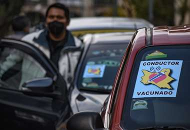 Radiomóviles de Cochabamba identifican a choferes vacunados. Foto: Opinión