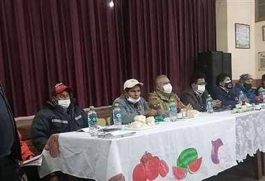 La reunión en Saipina que molestó a los campesinos de Parotani (Foto: Oficial)