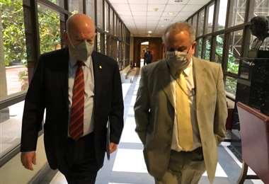 Los senadores José Miguel Durana y José Miguel Insulza promueven el diálogo bilateral