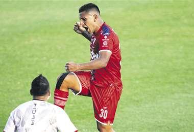 El argentino Esteban Orfano le dio la victoria a Royal Pari ante Always Ready