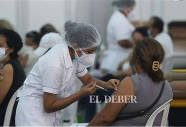 Actualmente se aplican mayormente primeras dosis. Fotos: Juan C. Torrejón