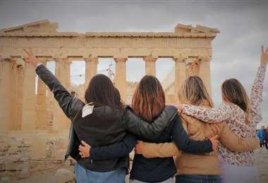 Ana Paola Bruun, Victoria Atalá, Johany y Bárbara Cronembold en un viaje a Grecia