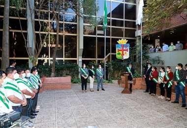 Asamblea Legislativa Departamental realizó homenaje a la bandera cruceña
