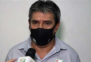 Roly Paniagua no ocultó su enfado tras el partido ante Aurora. Foto: Internet