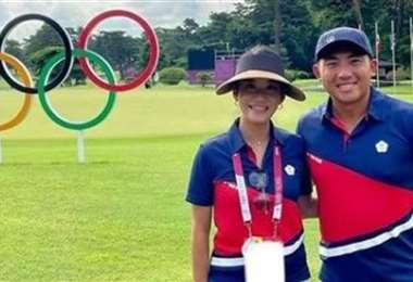 Golfista y 'caddie' están listos para competir en Tokio. Foto: Internet