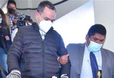 Tras un mes en la cárcel, Carlos Schlink logra salir de la cárcel. ARCHIVO