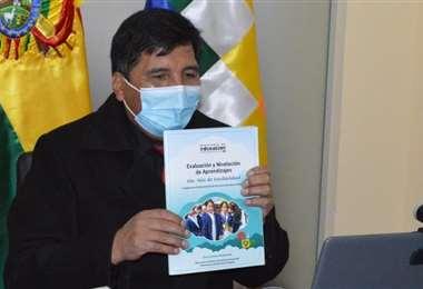 El ministro Adrian Quelca está acusado de dos delitos