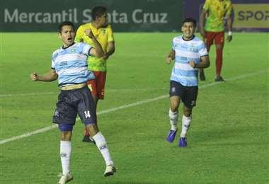 Festeja Kevin Farell su gol ante Palmaflor. Foto: JC Torrejón