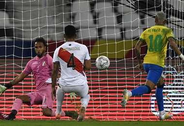 Neymar volvió a ser clave en el triunfo brasileño. Foto: AFP