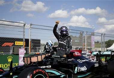 Lewis Hamilton es candidato a ganar este domingo el GP de Hungría. Foto: AFP