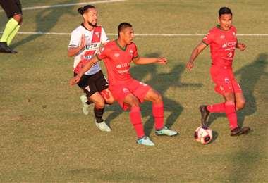 Guabirá y Always Ready se enfrentan en Montero. Foto: JC Torrejón