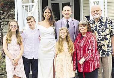 Kendra y AJ, sus hijos y abuelos