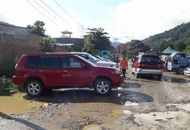 Se calcula que existen 200.000 autos indocumentados: Foto: rcbolivia.com