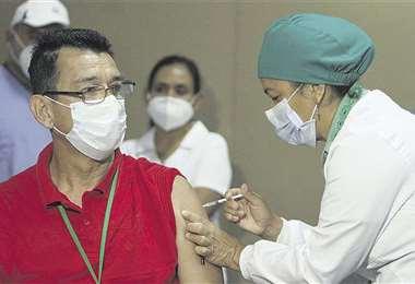 Baja la cifra de contagios, pero Sedes pide mantener los cuidados. Foto: JC Torrejón