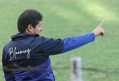 Villegas se va de Blooming tras dirigir al equipo desde enero. Foto: R. Montero
