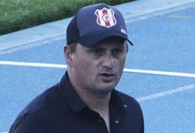 Marcelo Robledo, director técnico de Independiente Petrolero. Foto: APG Noticias