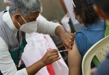 Vacunación en Santa Cruz. Foto referencial