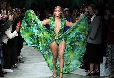 En 2020, la diva usó el vestido en la pasarela de Donatella Versace
