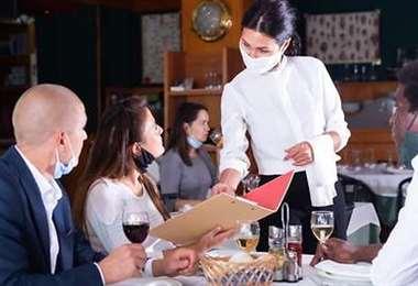 El certificado de vacunación será requisito en los restaurantes de Nueva York. INTERNET
