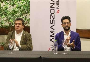Sergio de Urioste y Mauricio Soussa firmaron el traspaso de acciones/Juan Carlos Torrejón